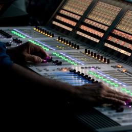 Etude son, lumière, vidéo, structure, électricité...